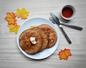 Gingerbread Buttermilk Pancakes